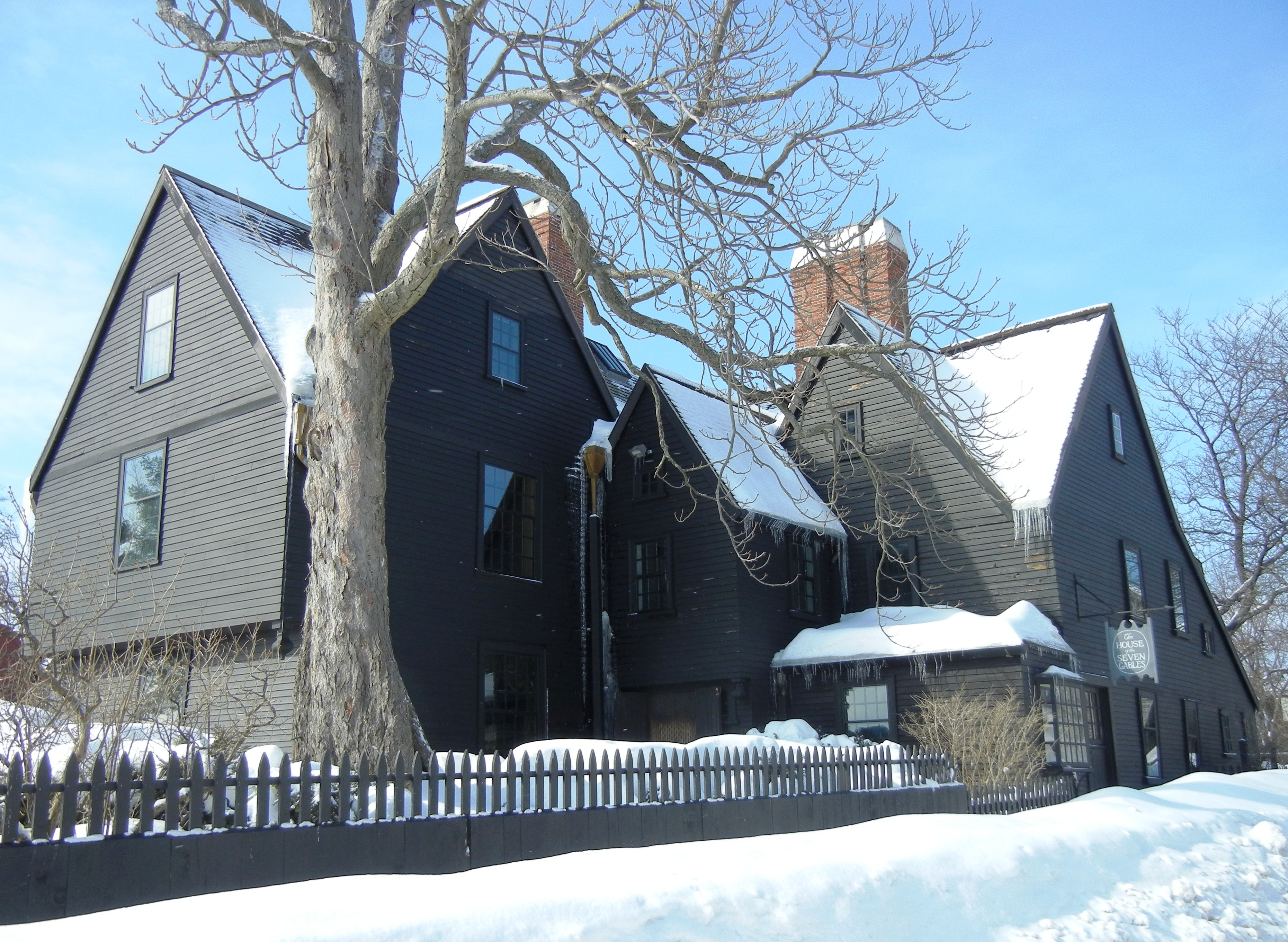 The House of the Seven Gables: Essay Q&A
