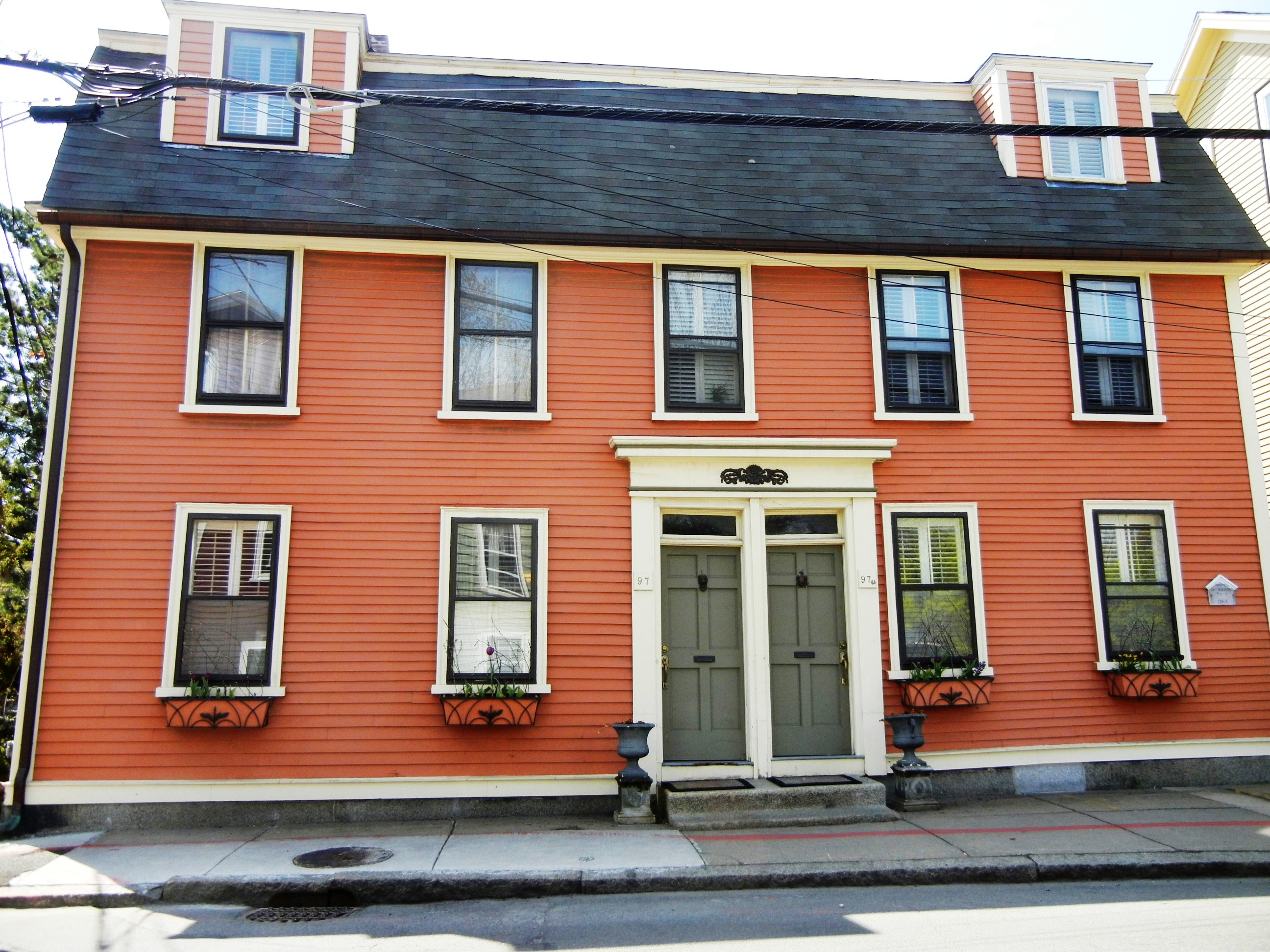 orange-house-4.jpg