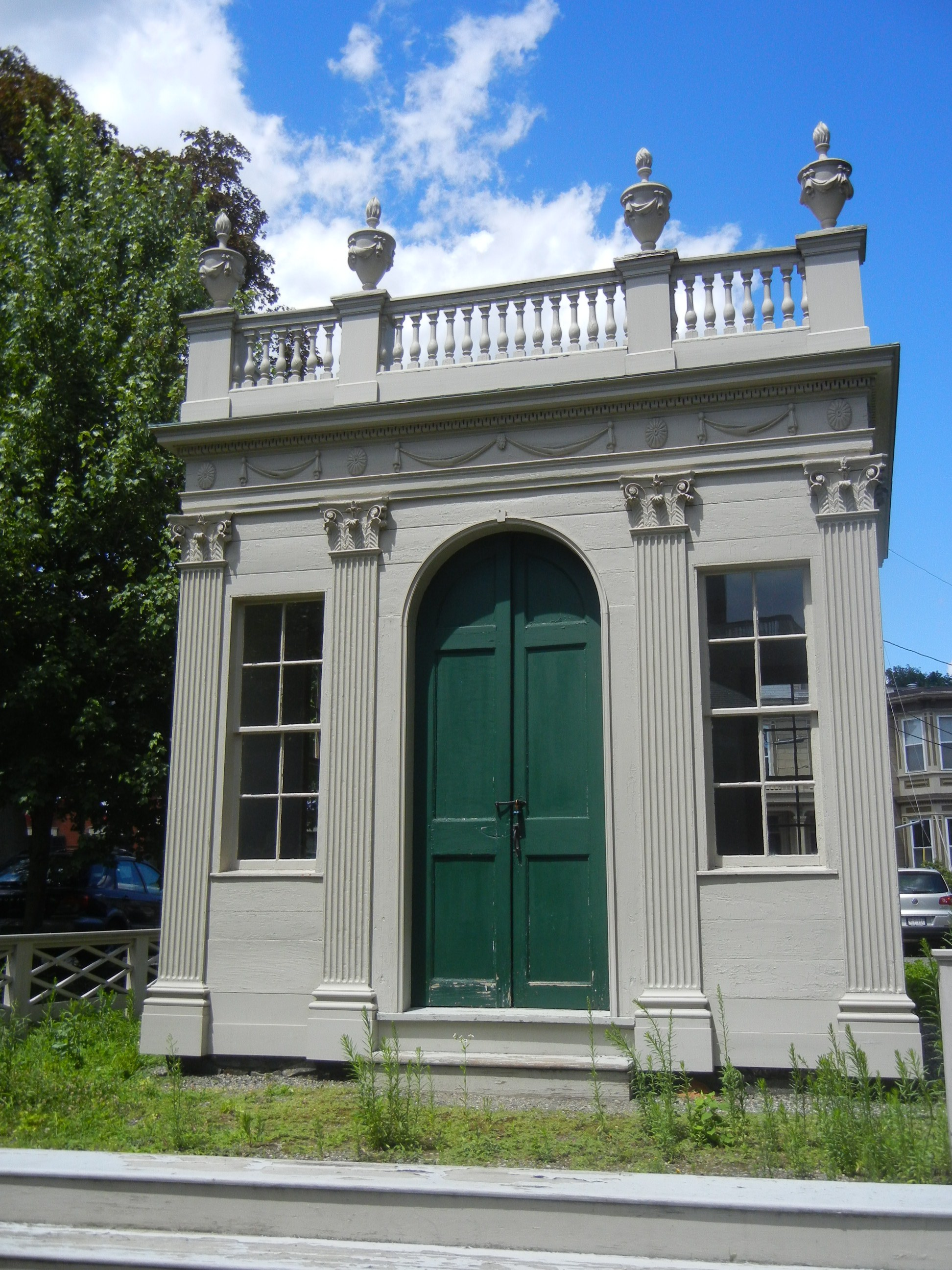 speaking of summer houses the ultimate the samuel mcintire designed derby beebe summer house in the center of the peabody essex museum campus - Greek Revival Cottage