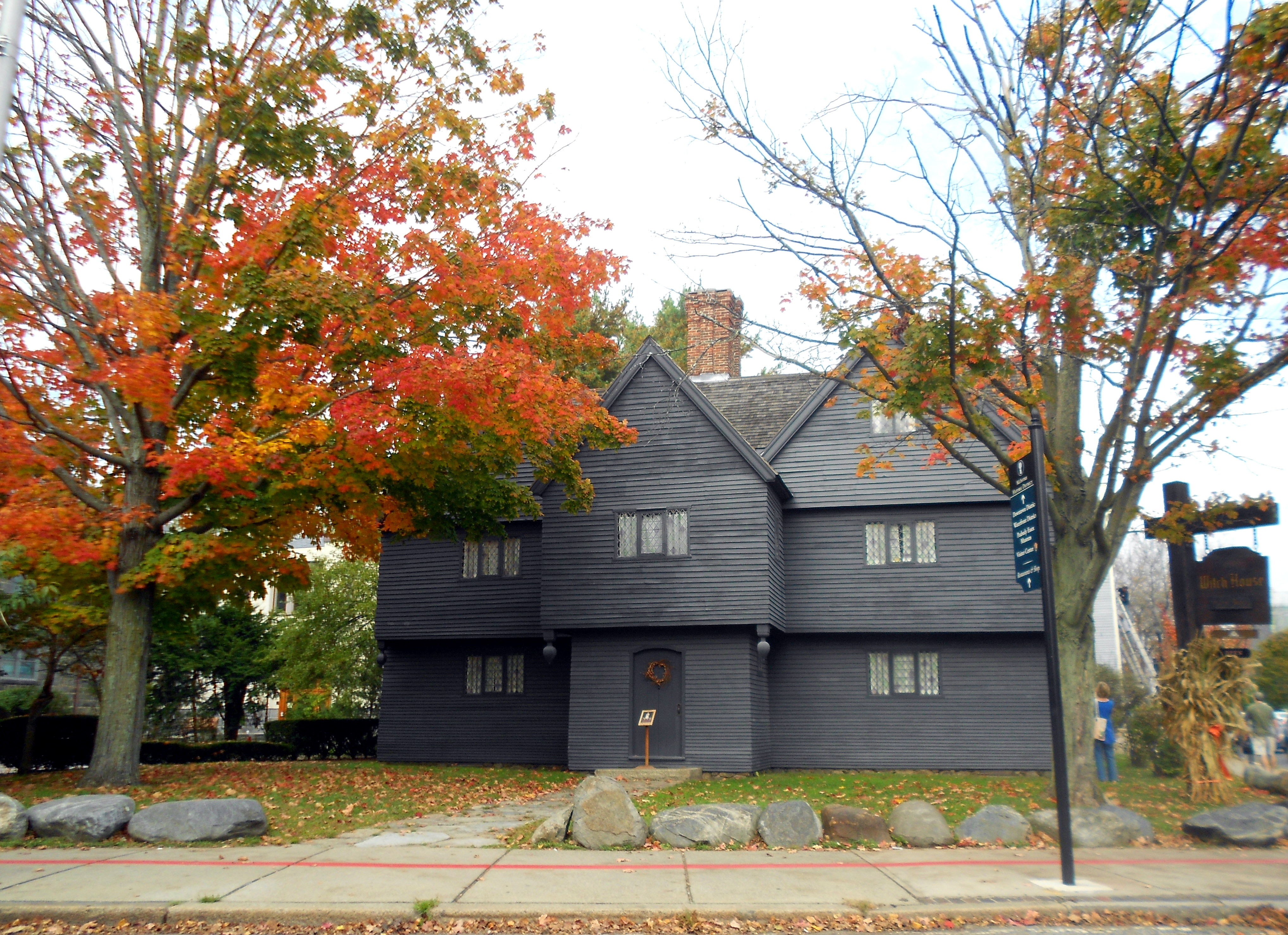 Which witch house streetsofsalem for Salem house