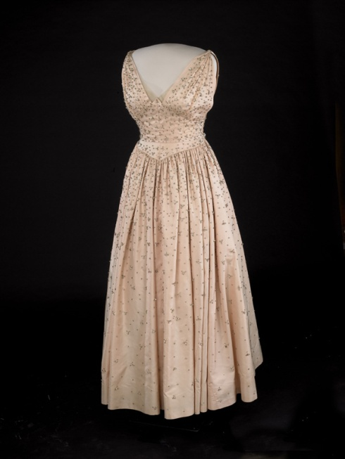 Inaugural ballgown of Mrs. Eisenhower 1953