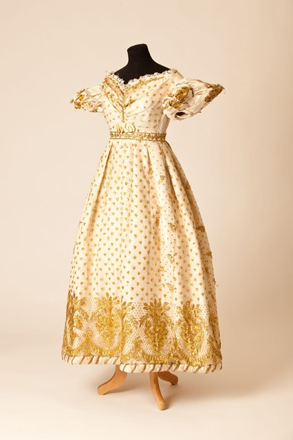 Fifty Fabulous Frocks ballgown 1820s