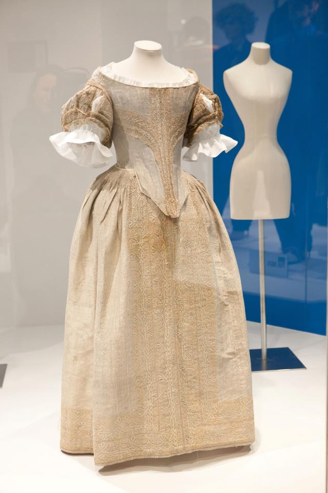 Fifty fabulous frocks streetsofsalem for 17th century wedding dresses