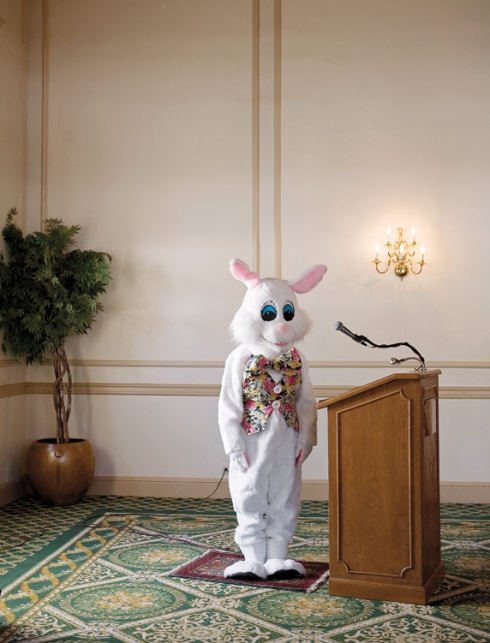 Easter Bunny at Hawthorne Hotel