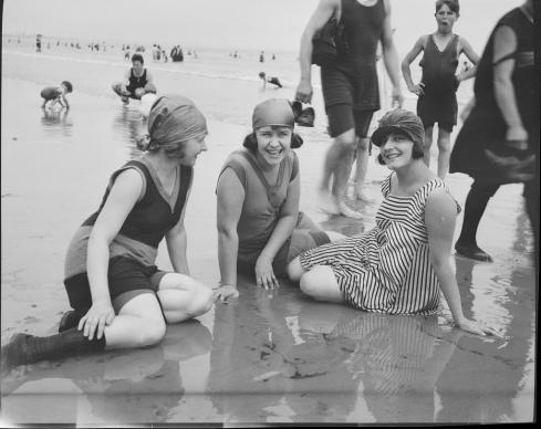 Bathing Girls Revere Beach Leslie Jones 1919 BPL