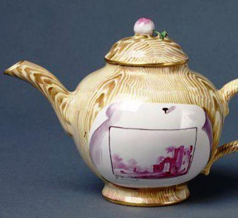 Faux Bois Teapot V and A focus
