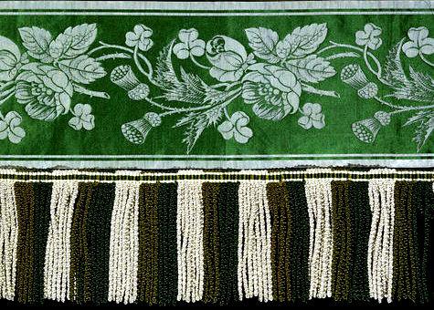 Shamrock Curtain Border 1850s-001