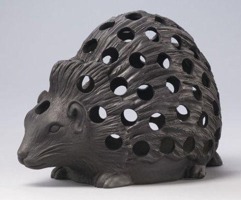 Hedgehog Bulb Pot Wedgwood V and A 1820-001
