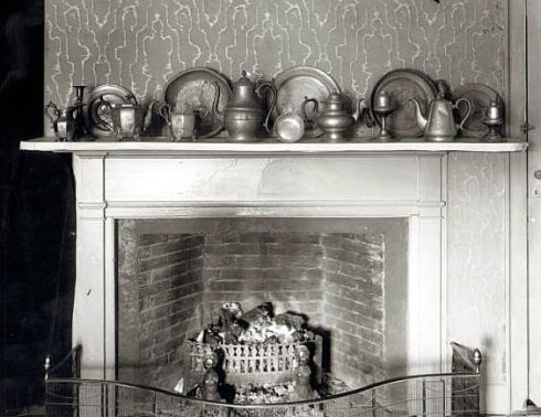 Northend Pewter Mantle