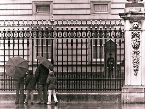 Buckingham Palace by Assaf Frank