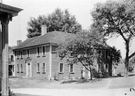 Jones-Tavern_early-20th-century