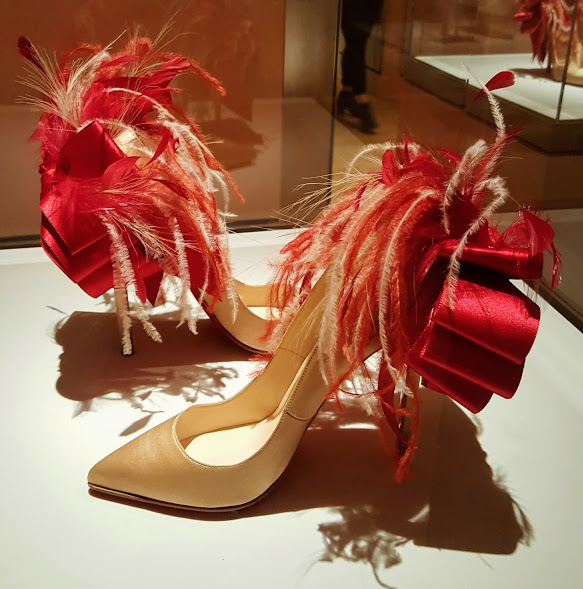 shoes-with-feathers