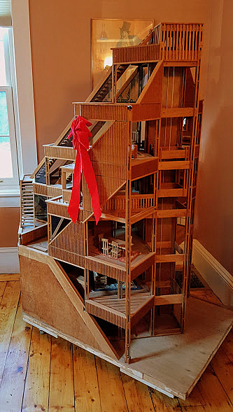 christmas-in-salem-dollhouses