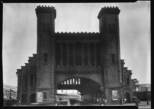 walker-evans-train-station