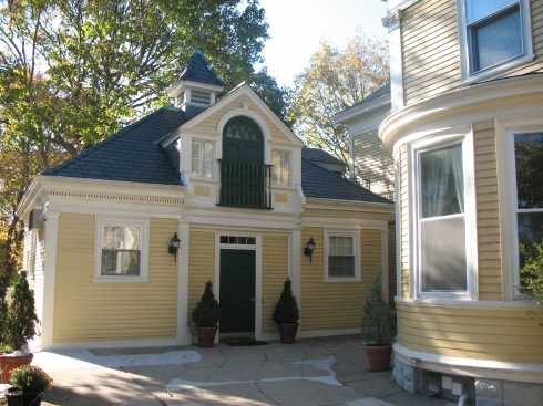 CARRIAGE-HOUSE-2